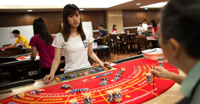 Playing Slot Games Online